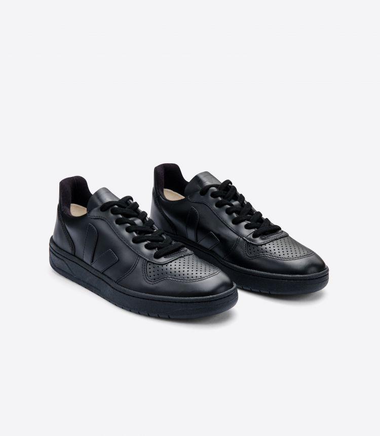 V-10 CWL 黑色 黑色 鞋底